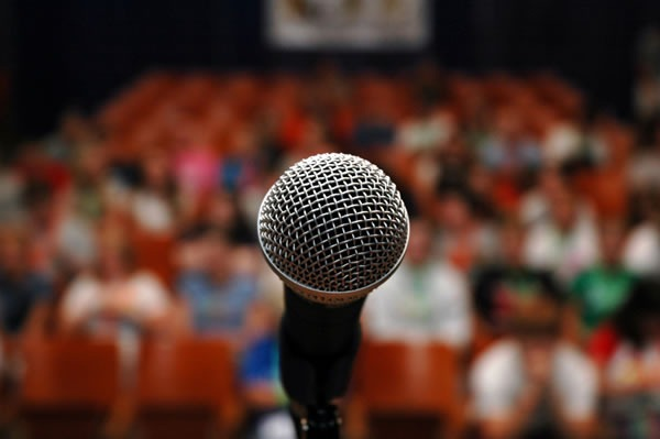 How to impress your audience with presentations? Here are 5 ways!